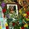 Ramo de flores de ofrenda y cuadro conmemorativo de la XXV Peregrinación